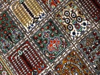 ヘシティーデザイン和風シルクペルシャ絨毯、クム産地イラン輸入49080