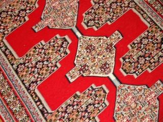 赤いキリムのセネ高級品質センターラグ146000