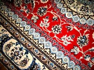 ペルシャ絨毯ナイン産地赤いセンターラグ3268