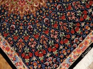 とても綺麗な花模様のシルク手織りペルシャ56007