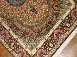 カラフルなクムシルク絨毯手織りペルシャ56078