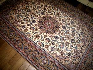 ペルシャ絨毯イスファハンソファー前3262