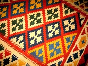 キリムショップのおすすめ手織りラグ8063