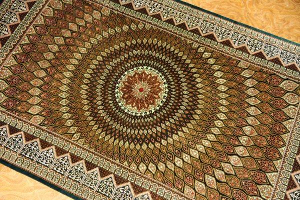 高級手織りペルシャ絨毯、センターラグシルクゴンバディー48080