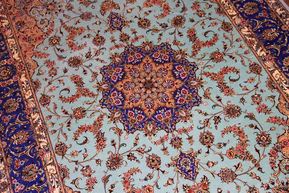 カシャーンシルクのブルー最高級手織りペルシャ絨毯75122