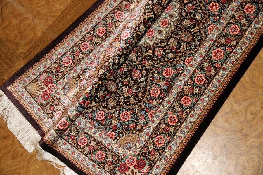 暖かい色彩の玄関マット手織りペルシャ絨毯クム産56052