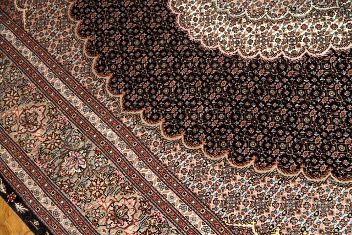 ペルシャ絨毯のインテリアラグマヒデザイン50130