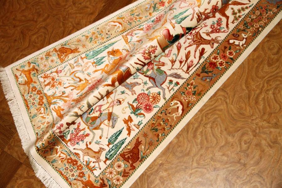 ハンティングデザインのペルシャ絨毯クムシルク56081