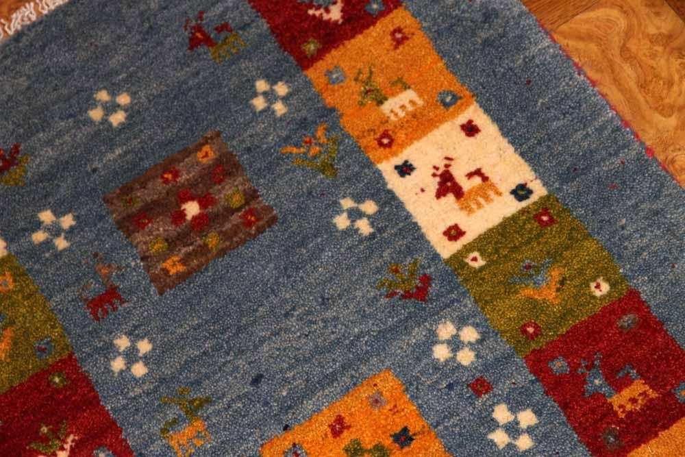 小さいギャッベの玄関マット手織りペルシャギャッベ181051