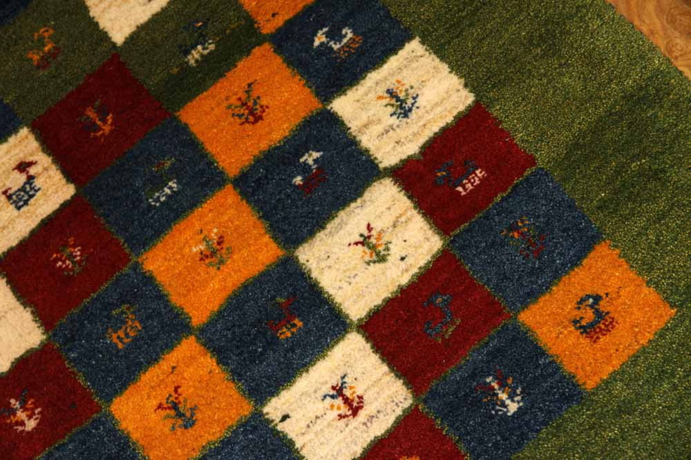 グリーンギャッベのチェスト模様の玄関マット手織り18865