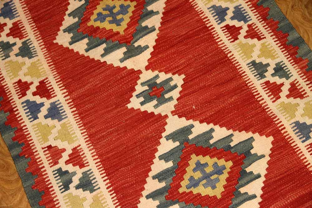 キリムの玄関マット手織りペルシャ輸入46502