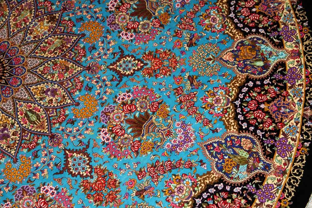 円形の手織りペルシャ絨毯クムシルクとても綺麗なブルー60002