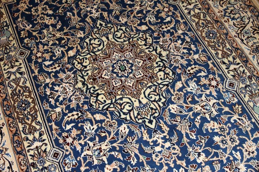 ブルーカーペットのナイン産地ハンドメイドペルシャ絨毯3276