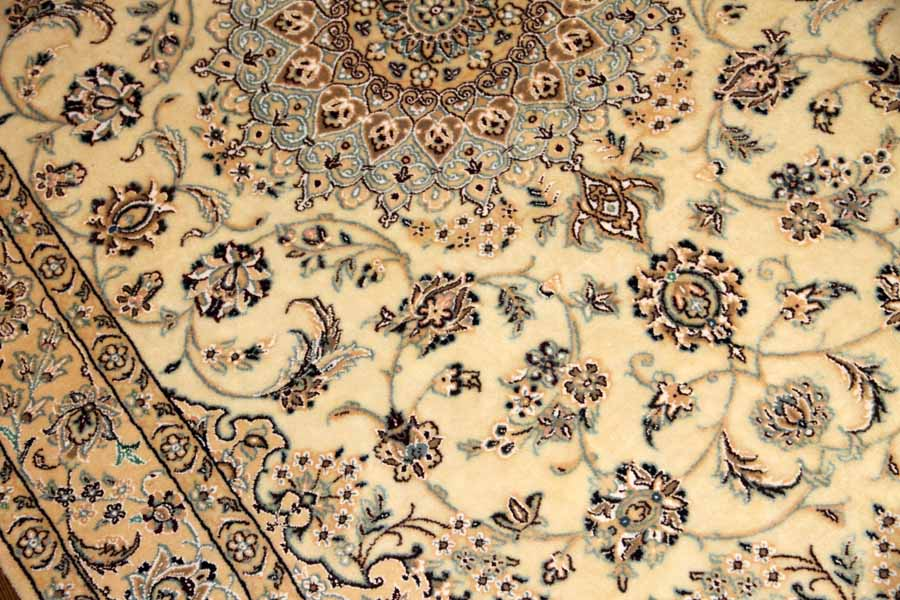 手織りペルシャ絨毯ナイン、シルクウール46127