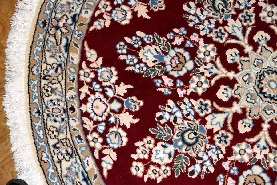 丸い手織りペルシャ絨毯ナイン赤い色33203