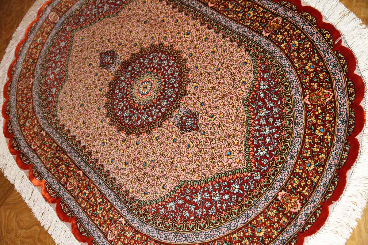 ペルシャ絨毯シルクの楕円形、とても可愛いピンク色44243