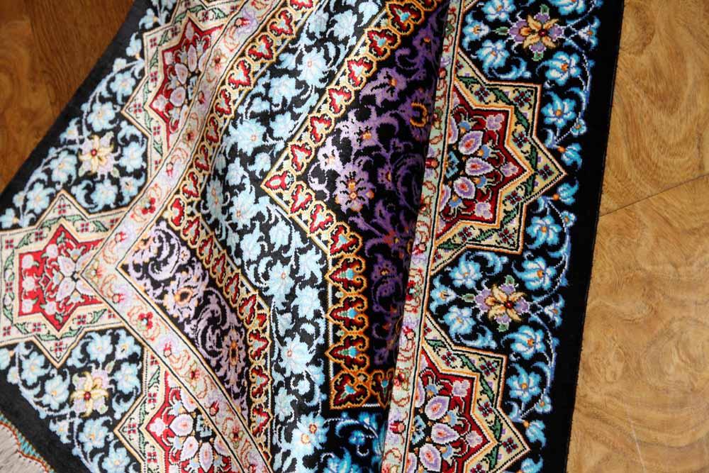 クムシルク手織りペルシャ絨毯素敵なブルー玄関マット398951