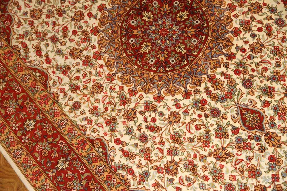 イラン製ペルシャ絨毯クムシルクのセンターラグ60026