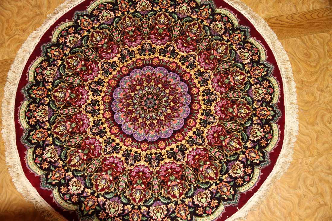 丸いシルクの手織りペルシャ絨毯クム赤い色34647
