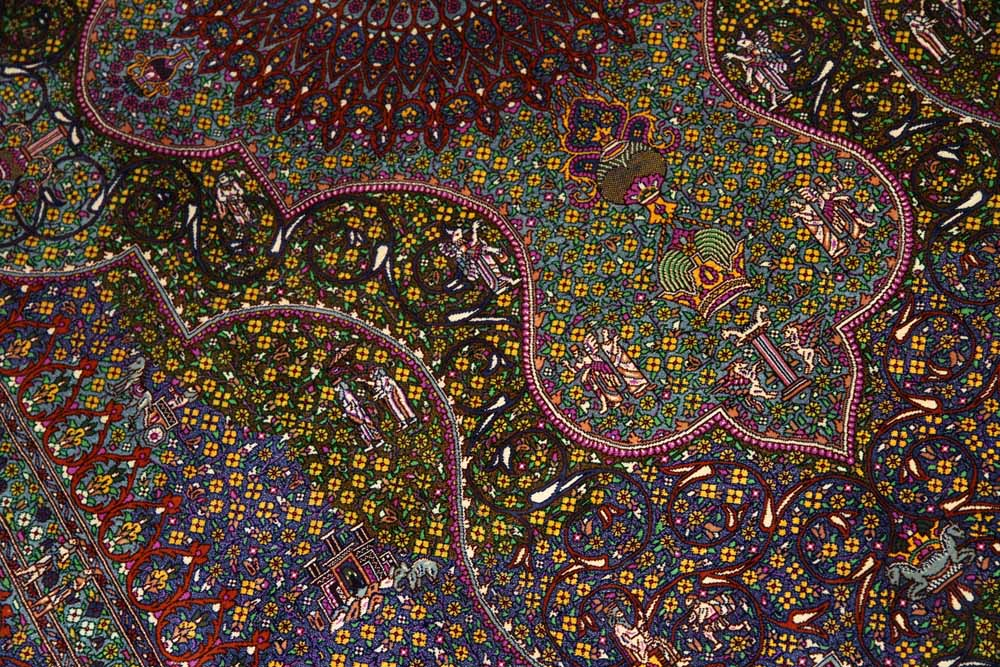手織りペルシャ絨毯クムシルク有名工房ソファー前60015