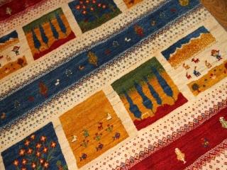 高品質の羊毛ウールの手織りギャッベ、フワフワリビングじゅうたん19712
