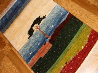 イラン製のギャッベ、手織り高級メリノウールギャッベ1810193