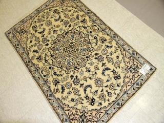 イラン製手織りペルシャ絨毯ナイン玄関マット55097
