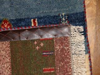マンションサイズのギャッベ玄関マット、手織りペルシャギャッベ181046