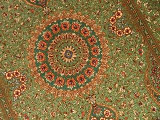 高級シルクの手織りペルシャ絨毯綺麗なグリーン色56089