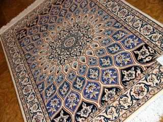 高級手織りペルシャ絨毯ナイン、人気デザインゴンバディー75157