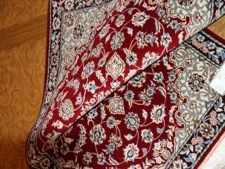 赤い玄関マットのペルシャナイン産手織りイラン製39481