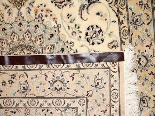 ペルシャ絨毯ナイン、手織りセンターラグベージュ46129