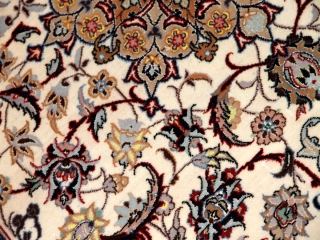 ペルシャ絨毯のイスファハン手織りラグ50142