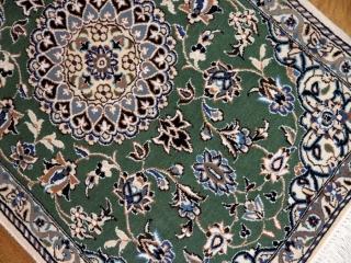 素敵なグリーン色の手織り玄関マットナイン58045