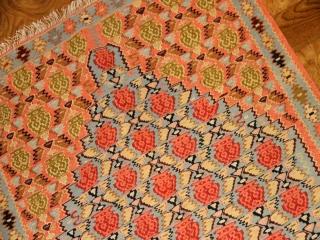 とてもおしゃれなセネキリム手織りペルシャ46526