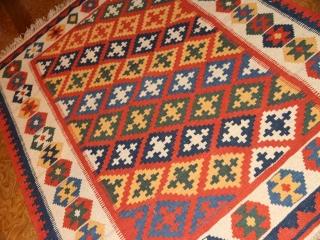 手織りシラズキリムのセンターラグウール65000