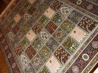 ペルシャ絨毯セールクムシルクの手織りラグ99429