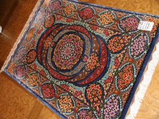 スーパークオリティーシルク手織りペルシャ絨毯57011