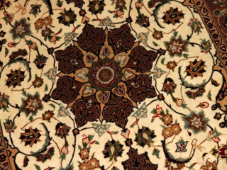 センターラグ手織りペルシャ絨毯タブリーズメダリオンデザインA165000