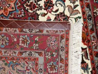 ペルシャ手織りじゅうたんタブリーズのセンターラグ958000