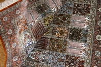 アンティーク風ペルシャ絨毯シルク、センターラグのヘシティー48064