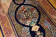 シルクのフラワーデザイン手織りペルシャラグ99425