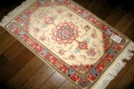 手織りペルシャ絨毯タブリーズ玄関マットメダリオン35319