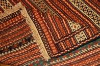 イラン直輸入カラートキリムのソファー前4438