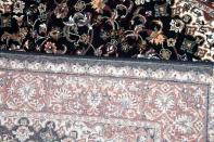 ウール素材のペルシャ機械織りカーペット143994