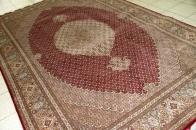 タブリーズ手織りペルシャ絨毯マヒデザイン23037