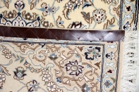ベージュ色の手結びカーペットペルシャナイン55023