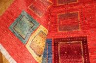 高品質イラン製赤いギャッベ手織りペルシャラグウール933200