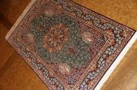 グリーン色の手織りシルク玄関マットペルシャ56075