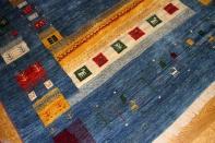 リビングサイズのオリジナルペルシャギャッベイラン製ブルー19228